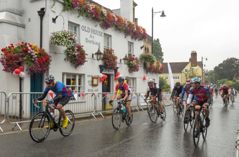 Riders race to sign up for Prudential RideLondon-Surrey 2015