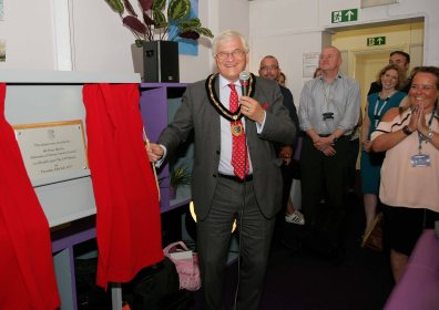 CYP Haven is officially opened by Surrey County Council Chairman Peter Martin